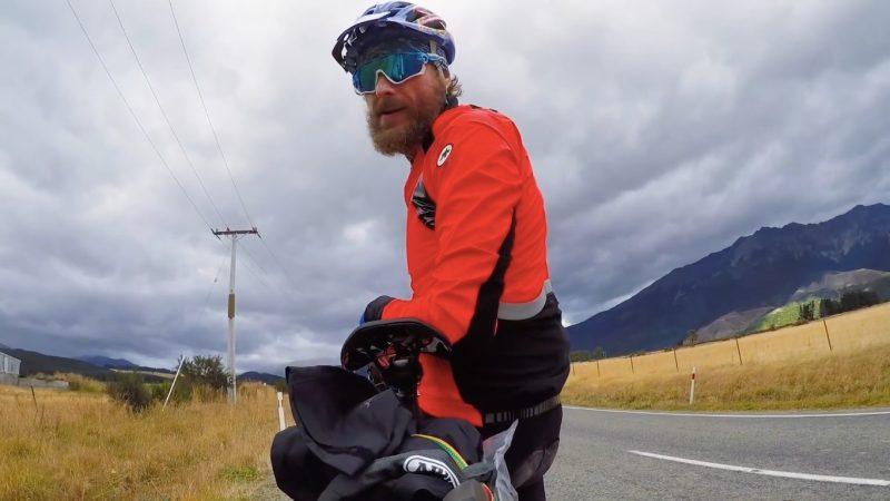 Il viaggio di Jovanotti in Nuova Zelanda: da solo, in bicicletta, per 20 giorni e 3.000 km